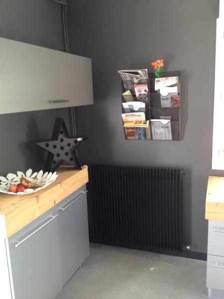 Niente più carta in giro per la mia cucina con questo portadocumenti! Leggero e robusto, porta un tocco industriale nella mia stanza. Lo adoro!