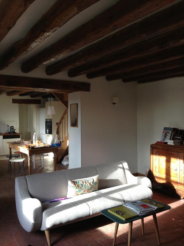 Divano Geneve a tre posti.Arredamento scandinavo in un piccolo, calorosa casa normanna. Troppo bella!