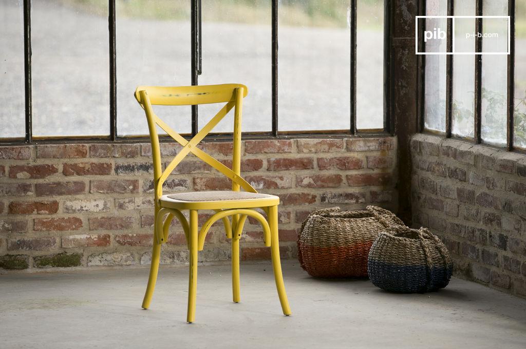 Sedia pampelune gialla sedia vintage in legno faggio pib for Sedia ufficio gialla