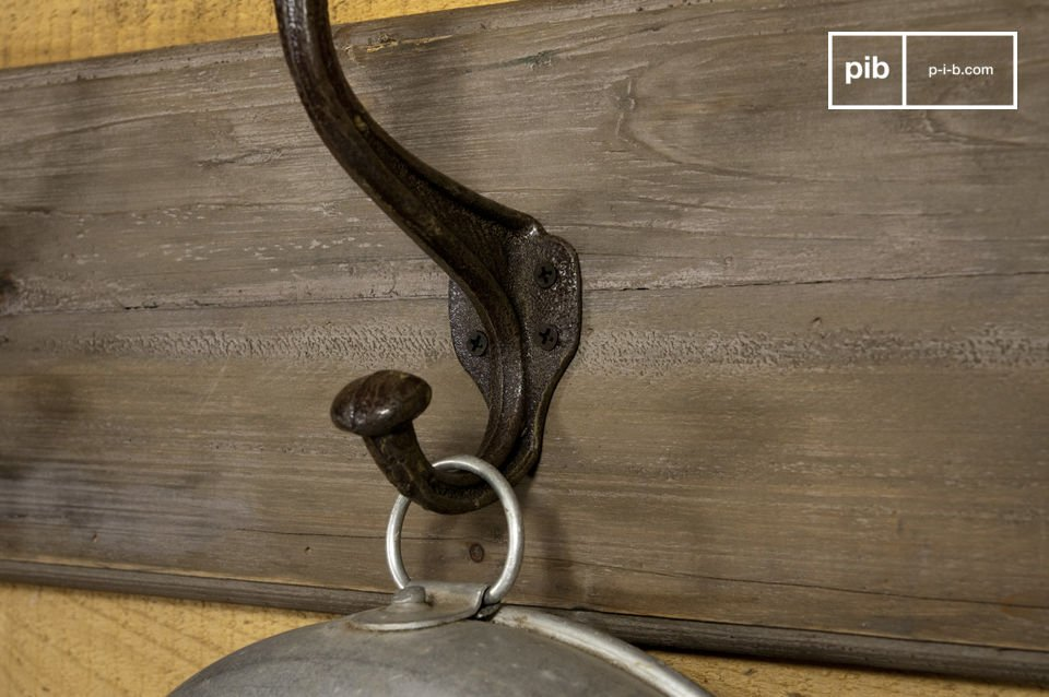I sei doppi ganci in acciaio possono reggere il peso di tutti i tuoi cappotti