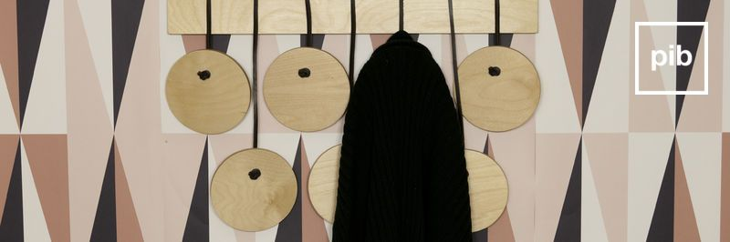 Appendiabiti in legno