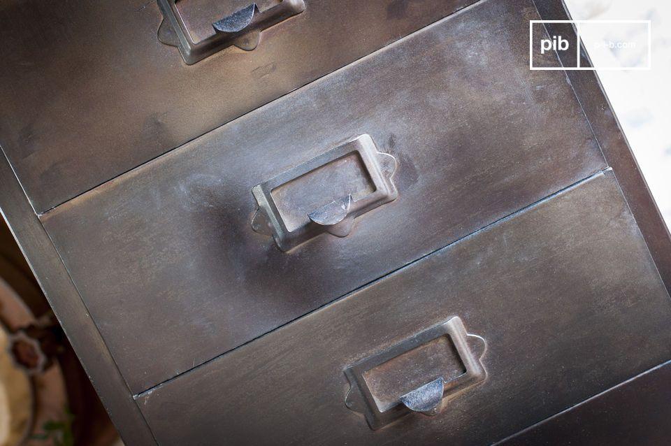 Ricordando i mobili da laboratorio della metà del ventesimo secolo