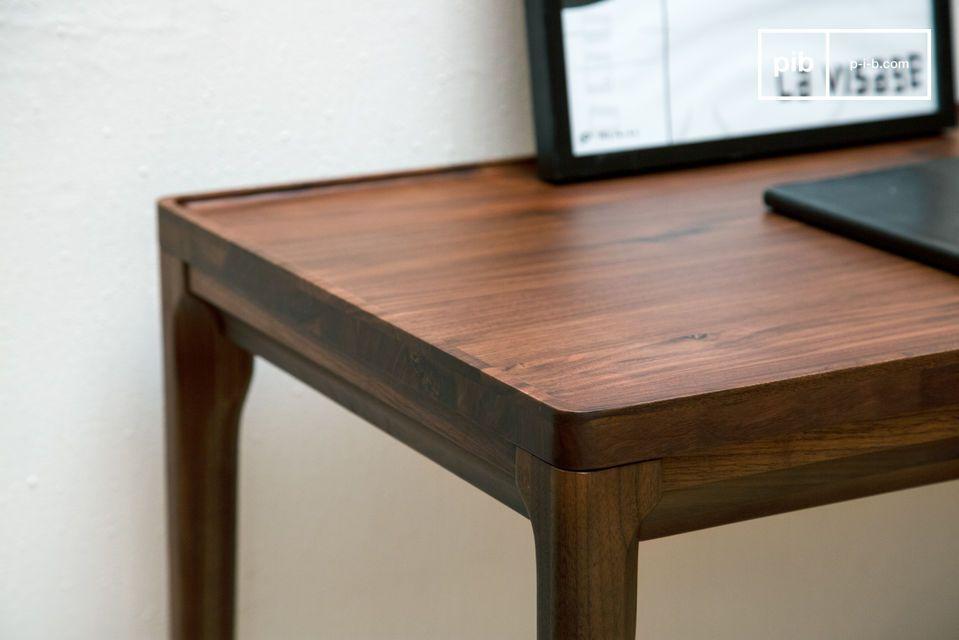 Una magnifica console da scrivania in legno nobile