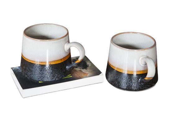Coppia di grandi tazze Ceramix Foto ritagliata