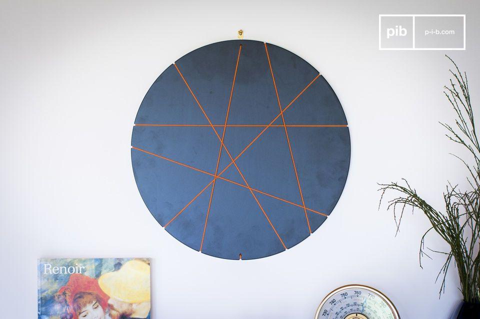 Questa cornice rotonda dal design innovativo vi permetterà di decorare la vostra stanza o il vostro