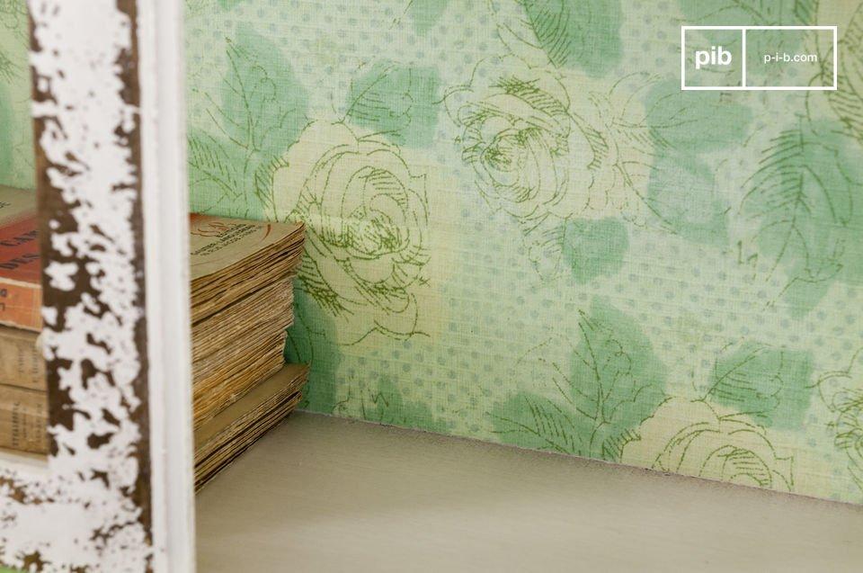 Questo armadio shabby e vetro può stare in piedi da sola o può essere fissata a muro mediante i