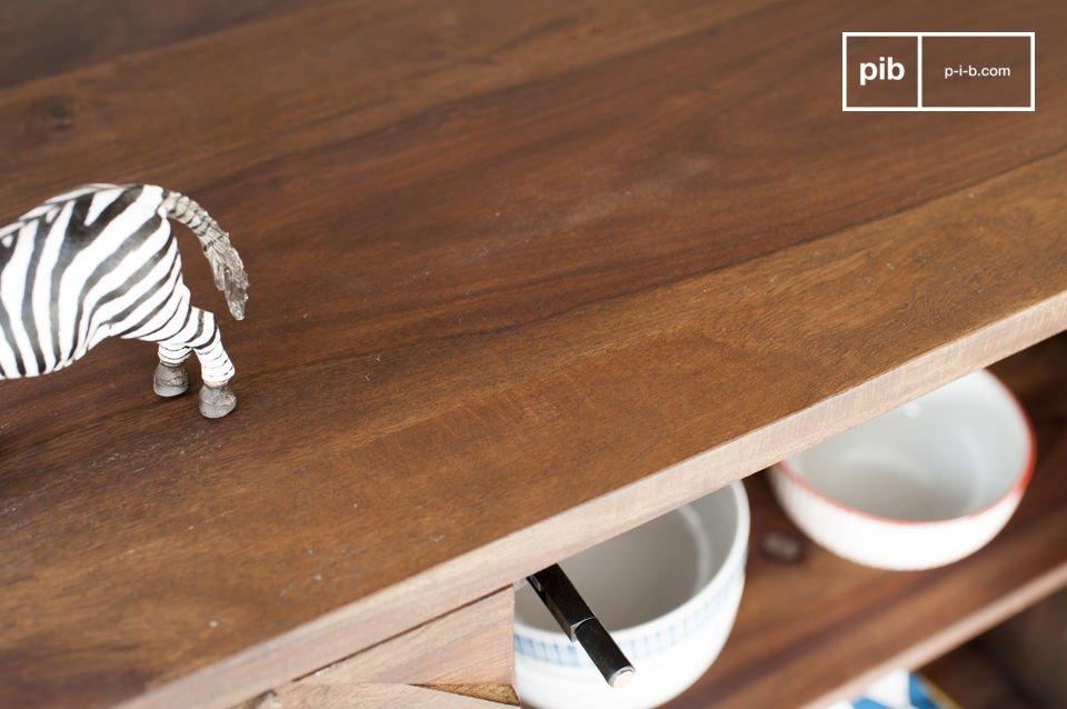Un pezzo di arredamento ideale per piatti e oggetti pesanti