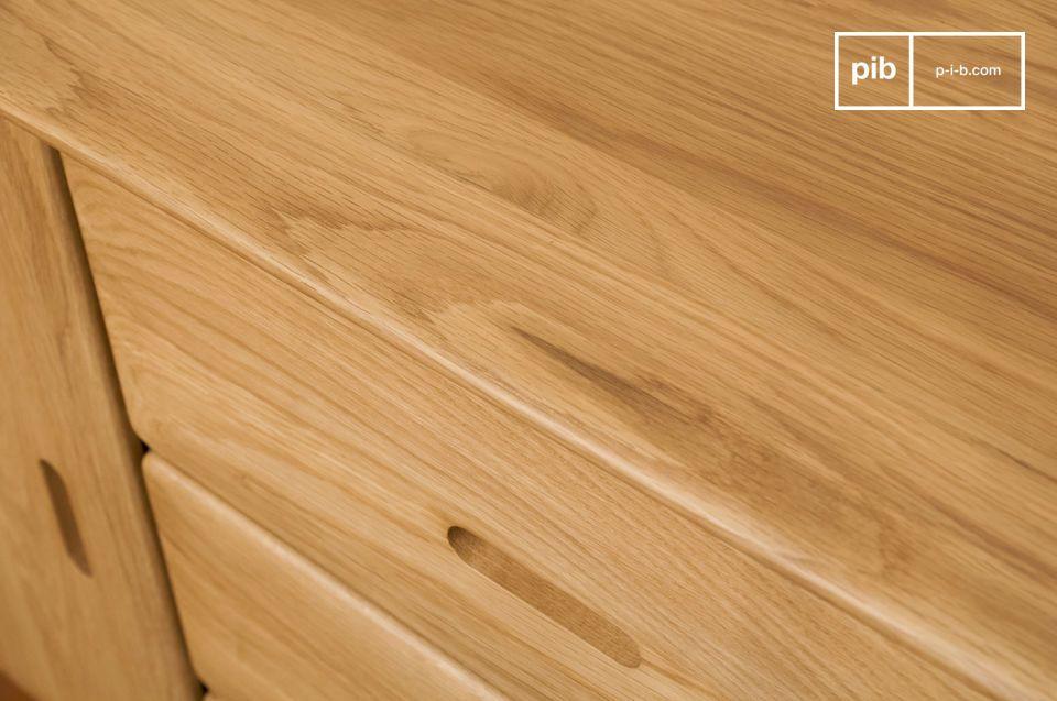 Optate per un mobile da archiviazione che combini la grande sobrietà del legno chiaro appena