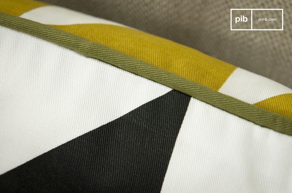 100% cotone organico. Triangoli gialli da un lato e neri dall'altro