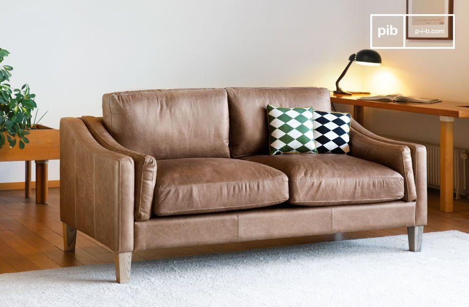 Il divano Heidsieck cannella è realizzato al 100% in pelle pieno fiore all\'anilina