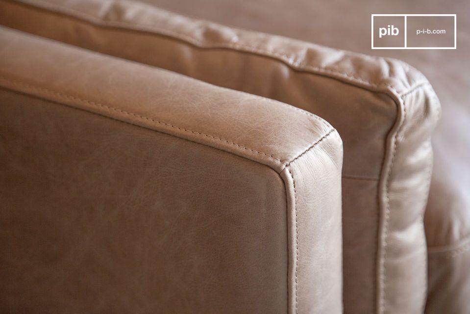 Lo schienale del divano