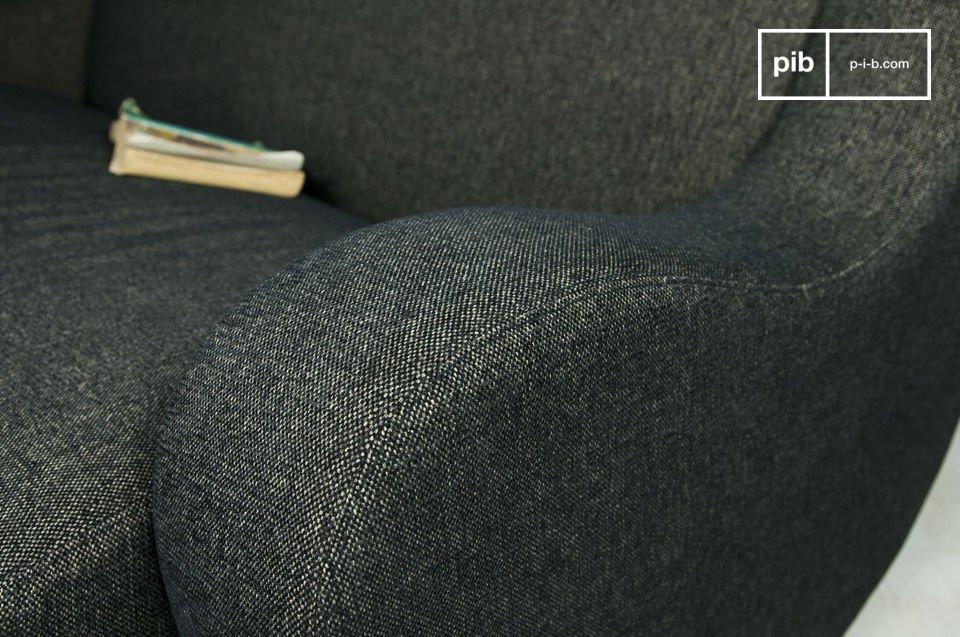 Non potrete non apprezzare lo spesso tessuto nero