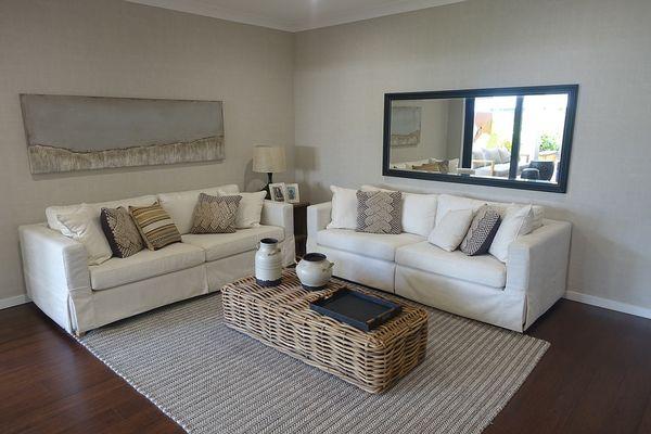 divano casa di campagna