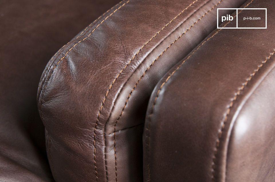 Apprezzerete la vera qualità nella realizzazione del divano in pelle Sanary