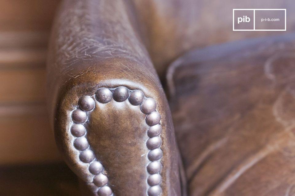 Questi divani vintage saranno perfetti nel tuo salotto, nel tuo studio o nella tua camera da letto