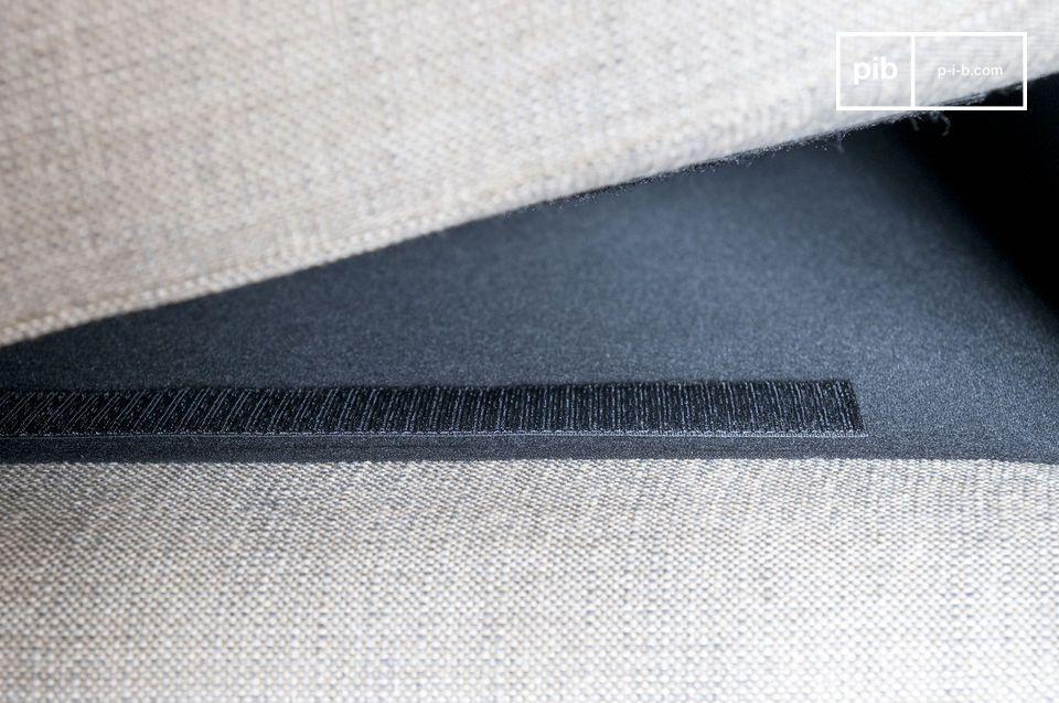 Il divano Silkeborg può essere perfettamente abbinato con una poltrona della stessa collezione ed