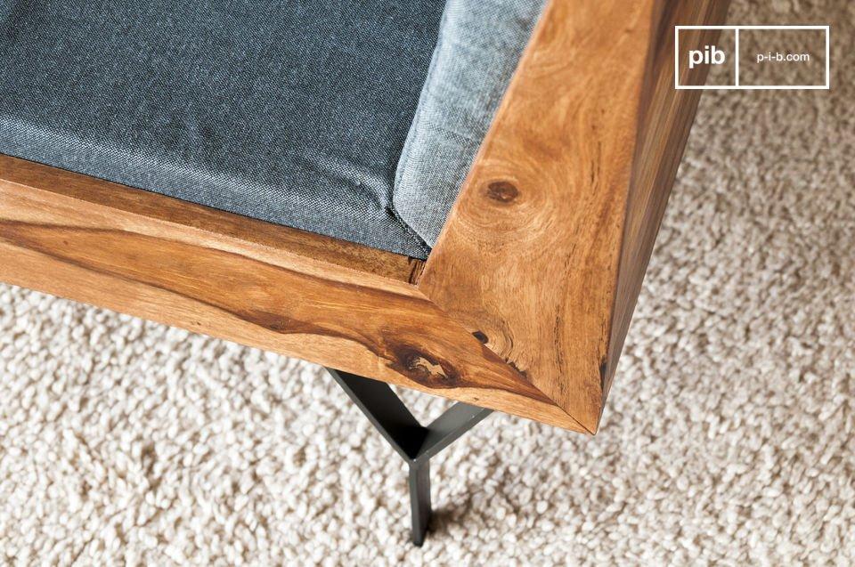 Un divano compatto ed elegante