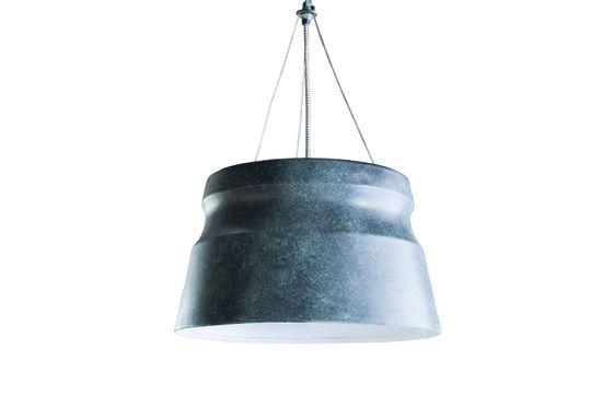 Grande lampada a sospensione Borajupe Foto ritagliata