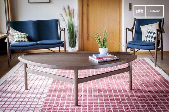 Grande tavolo basso triangolare Arne