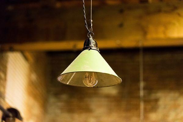 illuminazione vintage con lampadina