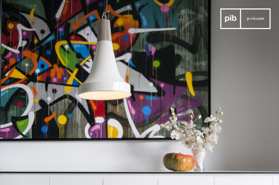 Una luminosa lampada a forma di imbuto in stile Scandinavo