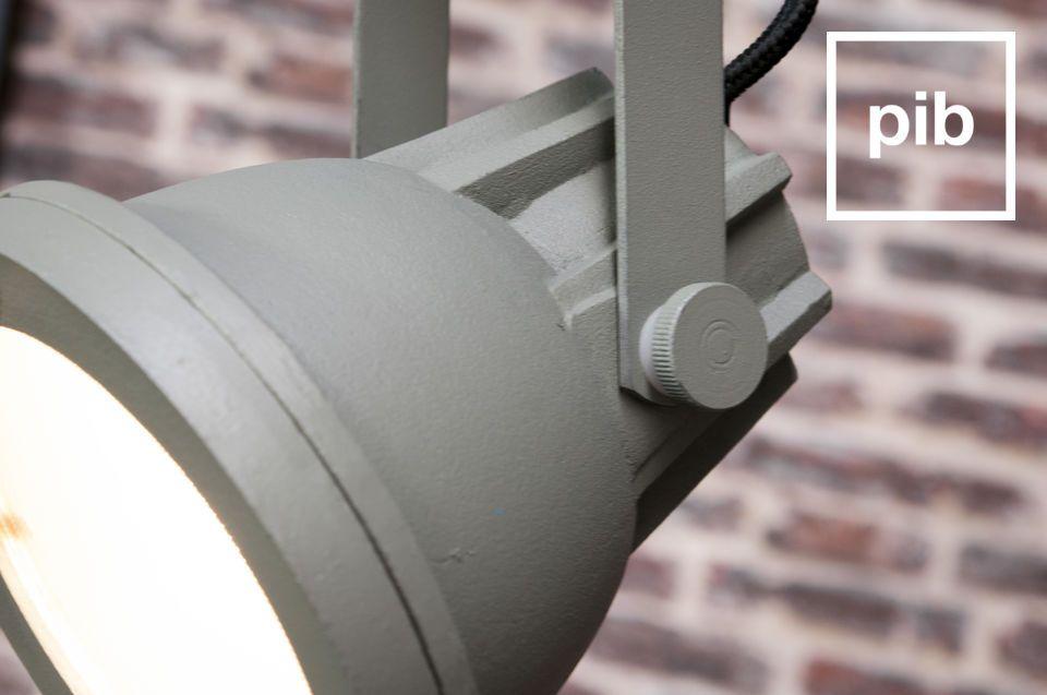 La lampada a sospensione Cast è una lampada che darà un tocco inconfondibile di design industriale