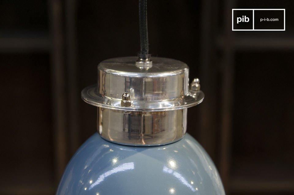 La lampada a sospensione Gaynes è una piccola lampada in stile retro che porterà colore e un tocco