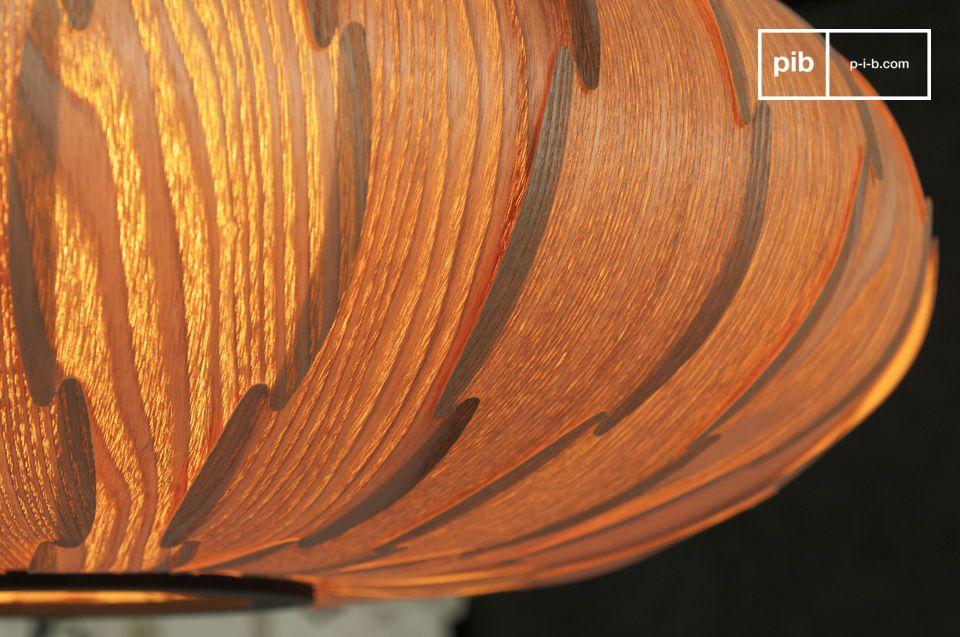 Il lampadario Gresskar è caratterizzato da una bellissima forma ispirata al design scandinavo degli