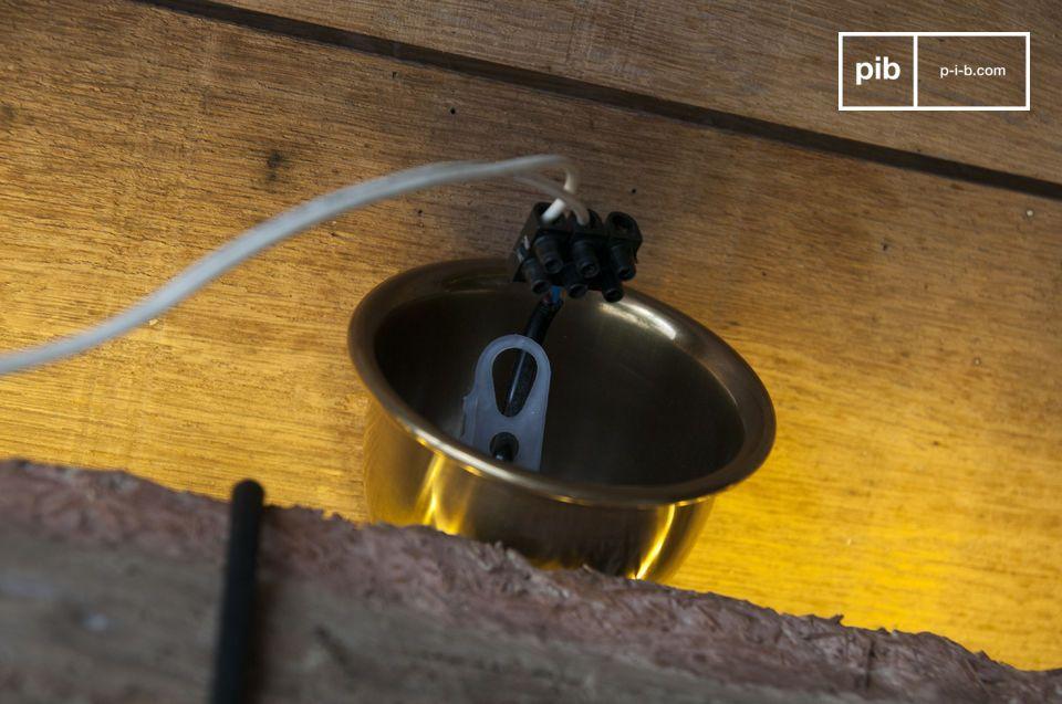 Lampada industriale a sospensione per uno stile grezzo e minimal chic