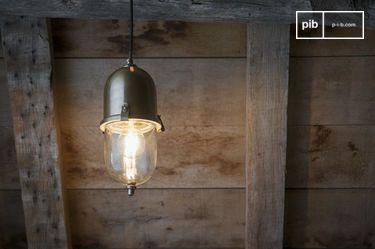 Lampada a sospensione in ottone Kapsula