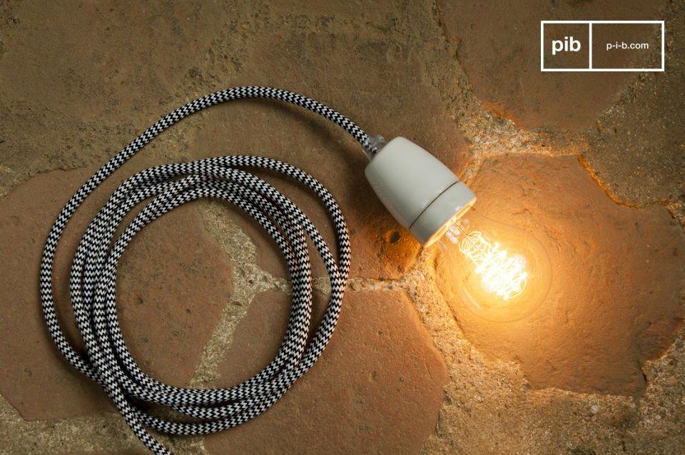 Il diametro dell\'attacco per la lampadina è di 45mm L\'altezza dell\'attacco per la lampadina è