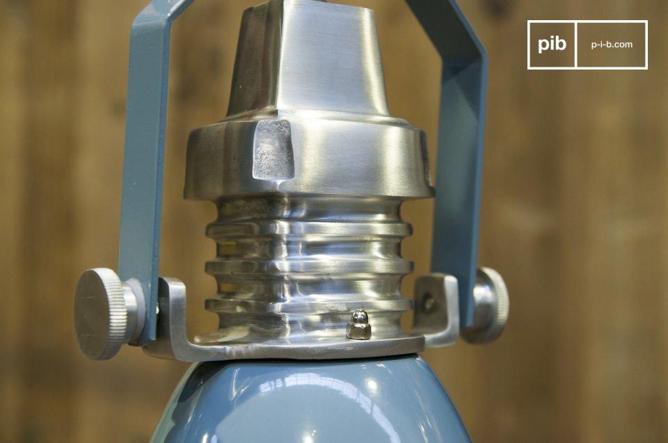 Un look Industrial per una lampada 100% in metallo