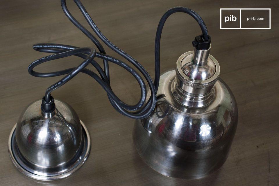 Una lampada pendente con il fascino dello stile vintage