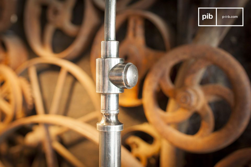 Sotto il suo look industriale direttamente ispirato a fabbriche e laboratori