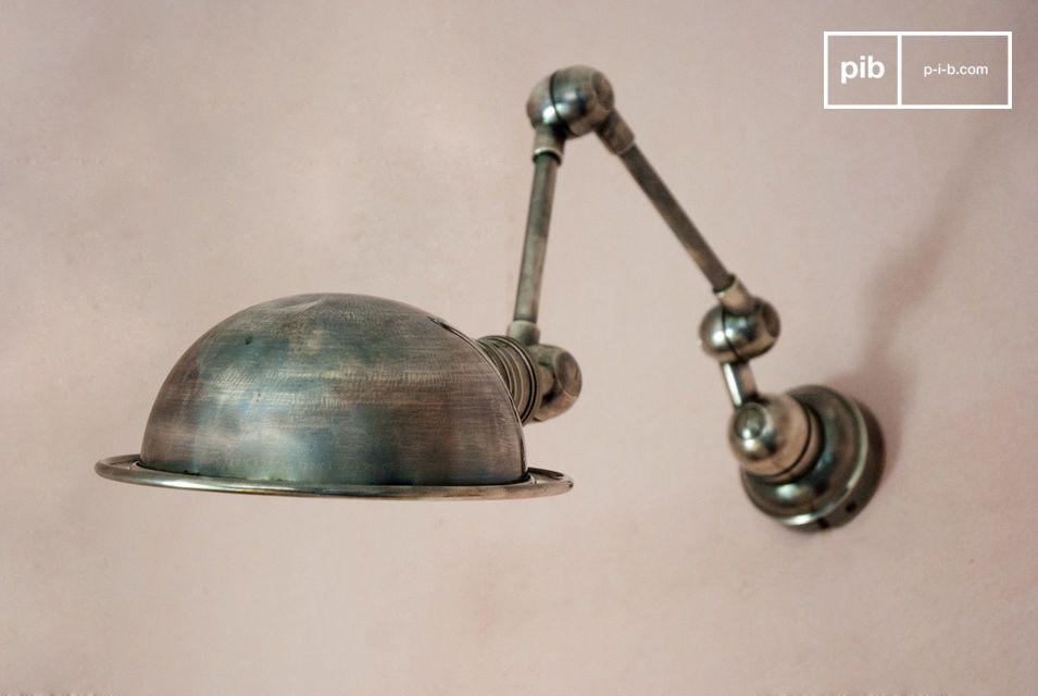 Due bracci articolati, design che ricalca lo spirito tipico dello stile Industrial