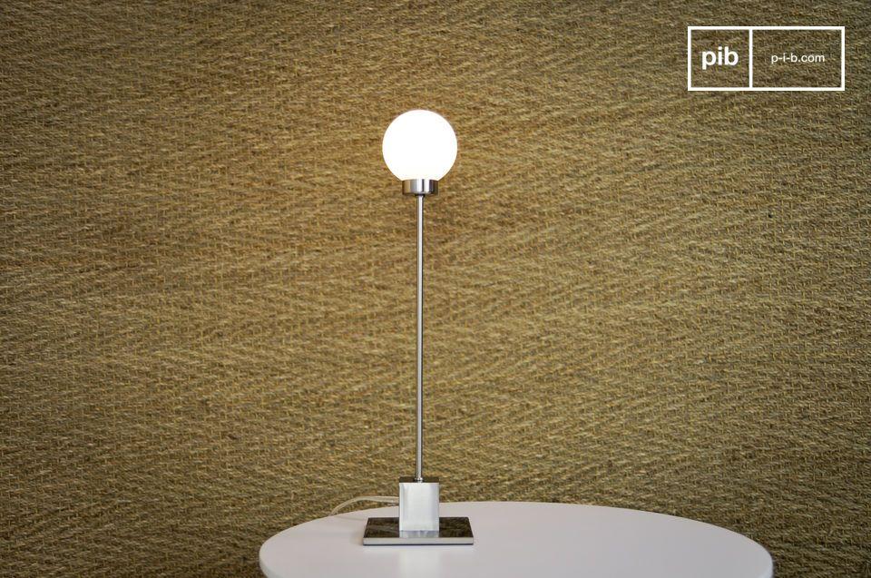 Sul cavo di alimentazione troverete un regolatore di intensità della luce trasparente