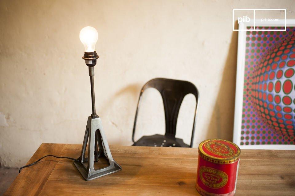 Una lampada retrò con stile industriale.