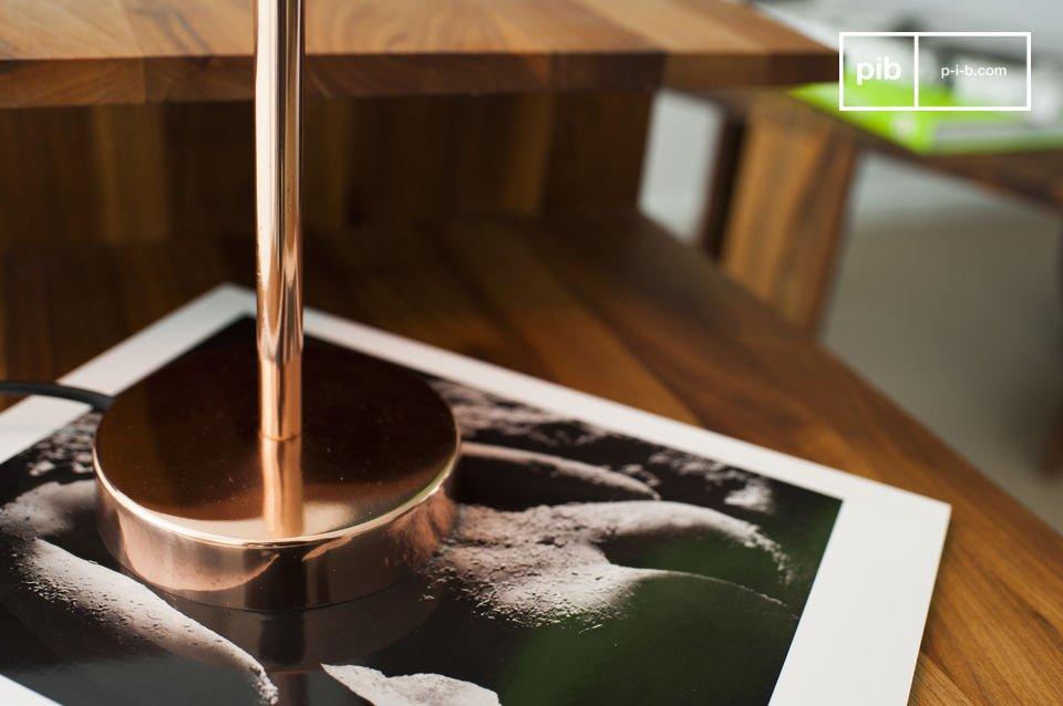 La lampada Gryde è caratterizzata da un bellissimo colore che donerà un\'atmosfera calda e