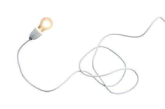 Lampada in porcellana bianca NUD Foto ritagliata
