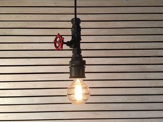 lampada industriale con rubinetto