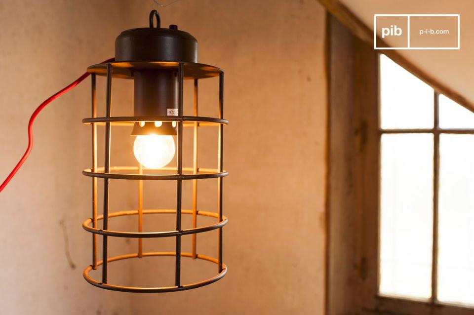 Una lampada industriale dall stile nautico