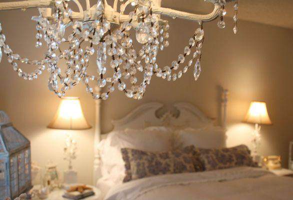 lampadario con cristalli per la camera da letto