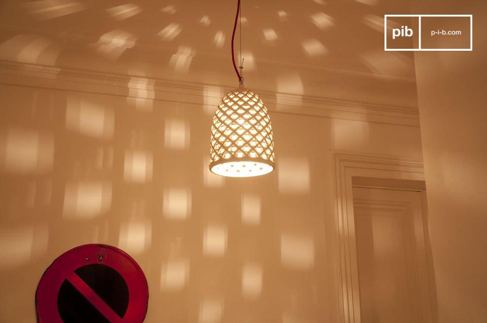 Hai bisogno di illuminare la tua stanza in stile gotico? Nessun problema