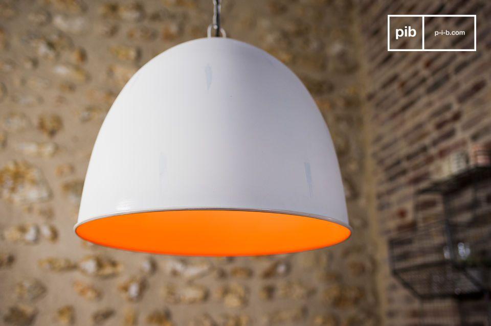 Il lampadario Nölia ha un design nordico e uno stile volutamente vintage