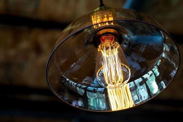 lampade trasparenti con filamenti a vista