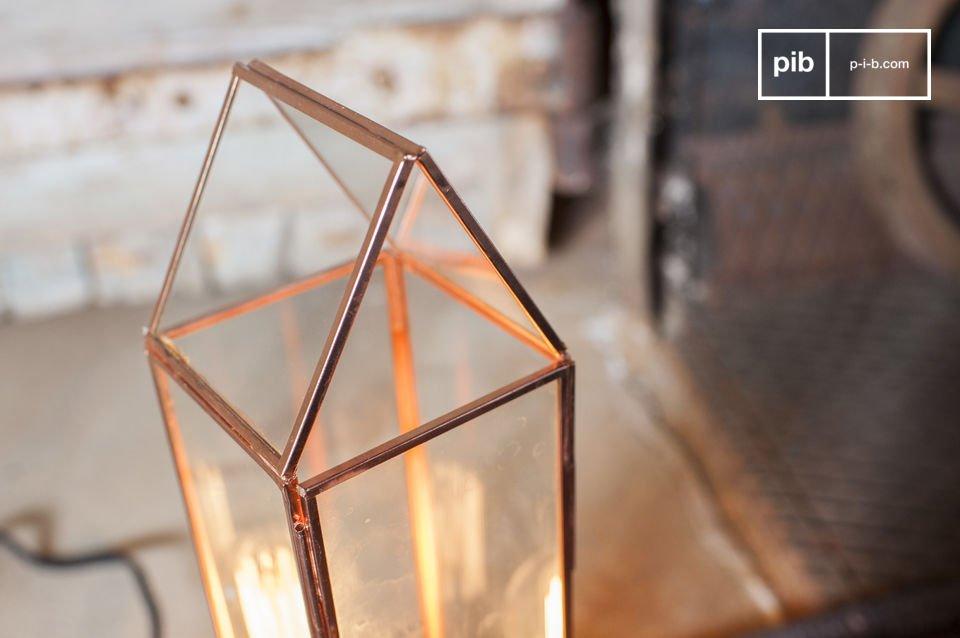 La lanterna Emma è un oggetto vintage che non potrà non catturare la vostra attenzione