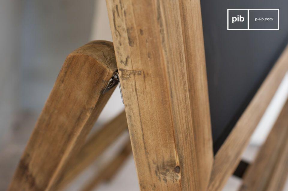 Realizzata interamente in legno