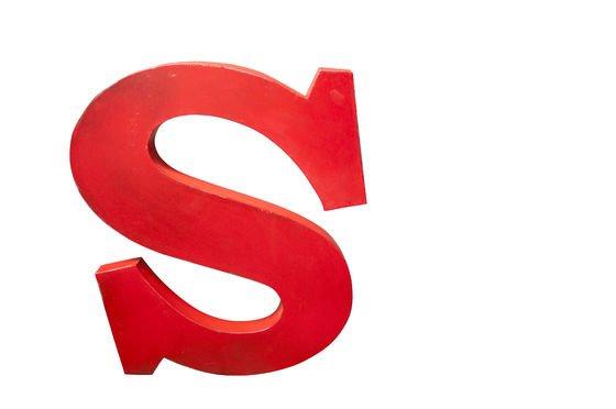 Lettera S decorativa Foto ritagliata