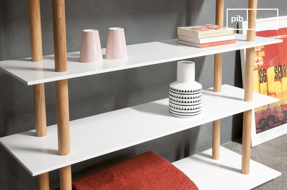 Linee eleganti e struttura in solido legno