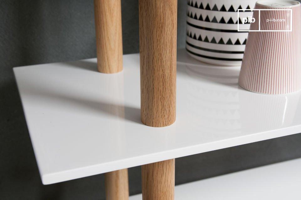 La libreria Tennö è un esempio perfetto di mobile dal design in stile Scandinavo e porterà luce e